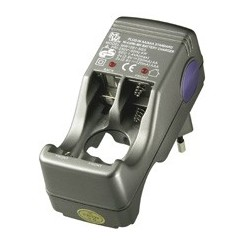 Kompakt-Steckerladegerät - für bis zu 4x AA/AAA Batterien/Akkus